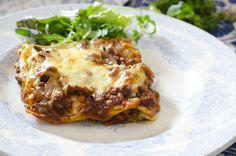 Hjemmelagd lasagne Nom Nom, Food And Drink, Tasty, Cooking, Ethnic Recipes, Dinners, Lasagne, Baking Center, Dinner Parties