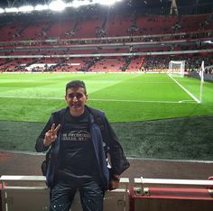 Where in the world is the Fieldhouse? At the #Arsenal!!!  #LoveTheGame #Soccer #Futbol #COYG (Direct from work with luggage & laptop, now to airport)