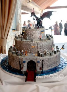 incredibly awesome, geeky, [some just weird] wedding cakes. [replica of the bride?? definitely not...]