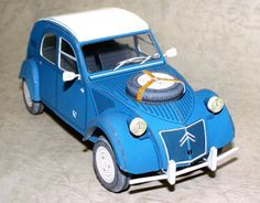 This paper car is a Citroen 2CV Sahara CAR, the paper model is created by HISA, and the scale is in 1:24. For more Citroen 2CV related paper models please