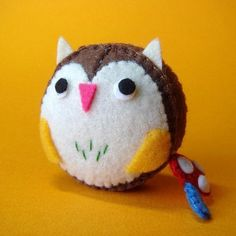 Owl Measuring Tape  , I think I can reproduce this when I get back into my felt stash.