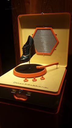 """DOLCE&GABBANA, shoes-bags,""""The Vinyl Record Player"""", pinned by Ton van der Veer"""