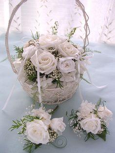 リングボーイ、リングガールの持つリングピロー(current 2151W) Wedding Wear, Trendy Wedding, Diy Wedding, Flower Girl Basket, Ring Pillow, Cornice, Bridal Shower, Wedding Decorations, Bouquet