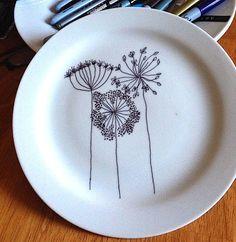 Aprende a decorar platos de cerámica con rotuladores