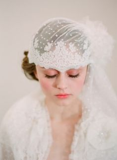 vintage inspired bridal fashion - veil designed by Twigs and honey - photo by Southern California wedding photographer Elizabeth Messina