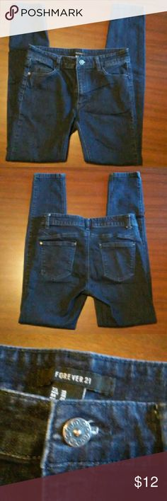 """FOREVER 21 JEANS Soft stretch skinny jeans. Inseam is 27"""" Dark blue color. Forever 21 Jeans Skinny"""