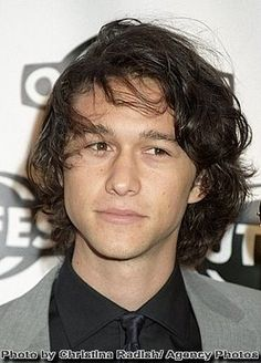 Joseph Gordon-Levitt. I find he bears an uncanny resemblance to Heath Ledger.