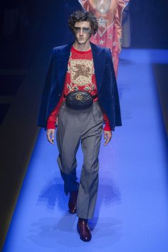 Gucci Frühjahr/Sommer 2018 Ready-to-Wear - Fashion Shows Catwalk Fashion, Milan Fashion, New York Fashion, Mens Fashion 2018, Fashion Week, Spring Summer 2018, Spring Summer Fashion, Gucci Spring, Schneider