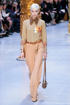 Chloé Fall 2020 Ready-to-Wear Collection - Vogue 2020 Fashion Trends, Fashion Mode, Vogue Fashion, Fashion Week, Fashion 2020, Runway Fashion, High Fashion, Style Couture, Couture Fashion