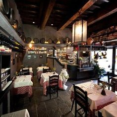 Le Fonticine in Florence - While surrounded by wonderful art and modern paintings, dine upon Northern Italian cuisine in this trattoria-style restaurant.