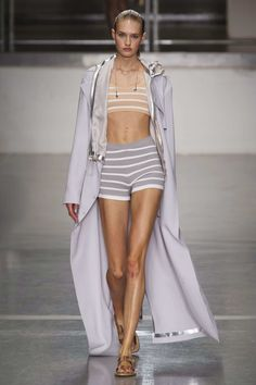 Spring 2015 RTW - RICHARD NICOLL COLLECTION  Photo:  Carlo Scarpato/Imaxtree