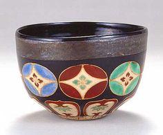"SUNTORY MUSEUM OF ART ""Tea bowl with shippo-tsunagi design inoverglaze enamels"" by Nonomura Ninsei"