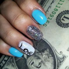 Short blue gel nails