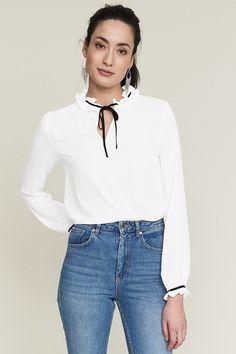 Köp kläder online och i butik hos Gina Tricot - Gina Tricot. Gina Tricot - Fiona  blus 83dbb7692f7f3