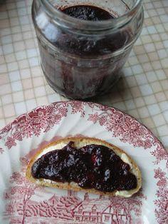 Bebi Tündérországa: Fűszeres kökénylekvár Canning Pickles, Pudding, Desserts, Food, Tailgate Desserts, Deserts, Custard Pudding, Essen, Puddings
