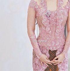 Kebaya Pink, Vera Kebaya, Kebaya Hijab, Batik Kebaya, Kebaya Dress, Kebaya Muslim, Model Kebaya Modern, Kebaya Modern Dress, Kebaya Kutu Baru Modern