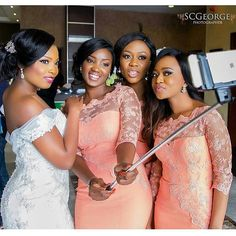 ...but first a selfie. Stunning bride and her bridesmaids Captured by @scgeorge1 #weddings #nigerianweddings #bride #bridesmaids #idonigeria
