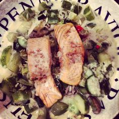 salmon with stewed cucumbers, porree, chili, lemon, white wine and a little crème fraîche