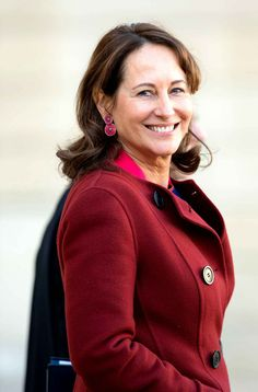 Ségolène Royal devient ministre de l'Environnement Roi Mohamed 6, First Ladies, Red Leather, Leather Jacket, France, Fiction, Portraits, Women's Fashion, Lady