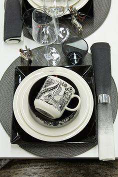 #kodin1 #joulu #talvi #mustavalkoinen #kattaus #astiat Tableware, Design, Winter Christmas, Dinnerware, Tablewares, Place Settings