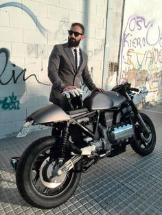 Cafe racer BMW K100  want more? visit - http://themotolovers.com