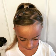 Zig zag part...#hair #hairstyles #girlhair #toddlerhairstyles