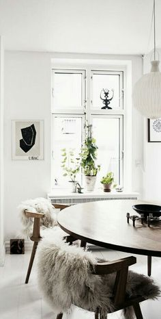 Get To Know Everything About This Minimalist Dining Room Decor! Dining Room Inspiration, Interior Inspiration, Minimalist Dining Room, Sweet Home, Deco Addict, Deco Design, Scandinavian Home, Home And Deco, Home Interior