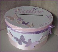 Urne de baptême personnalisée - thème papillons parme et rose