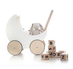 cubes en bois et landau poupée ooh noo cadeau de naissance- wooden alphabet blocks and toy pram ooh noo birth baby gift