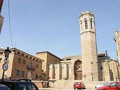iglesia de San Lorenzo es un templo católico de estilo románico, pero con ampliaciones y acabamientos góticos,