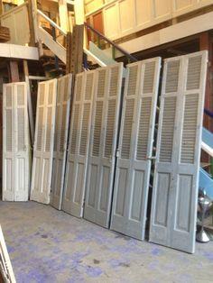 louvre deurtjes, veel stuks, veel maten Louvre Doors, Room Divider Doors, Cabinet Door Styles, Beach Bungalows, Wooden Textures, Wardrobe Doors, Old Doors, Apartment Design, Door Design