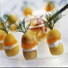 Festpotatisar med löjrom och crème fraiche