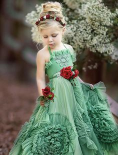 Flower girl dress in green. By dollcake Little Girl Dresses, Girls Dresses, Flower Girl Dresses, Dollcake Dresses, Baby Dress, Dress Up, Dress Rental, Kind Mode, Little Princess