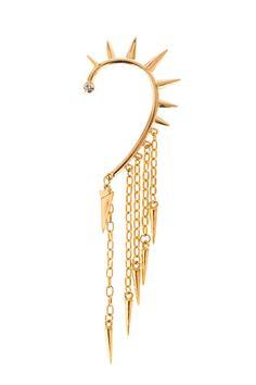 Este foi o brinco feito em homenagem as mulheres incomuns, na coleção de inverno Mary Design, sobre as     www.marydesign.com.br     #moda #fashion #acessorios #brincos #spikes #marydesign
