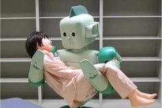First #Robot to lift and carry humans.  Great for the hospital, but imagine waking up to that thing holding you! #Heartattack