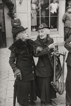 photohandbook: Henri Cartier-Bresson During the Visit of George VI of England to Versailles 1938