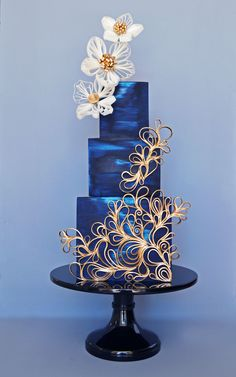 Ocean blue wedding cake with a touch of gold by Julia Marie Reynolds on satinice.com! #weddingcakes Cupcake Torte, Konditor, Unique Cakes, Creative Cakes, Occasion Cakes, Elegant Wedding Cakes, Elegant Cakes, Beautiful Wedding Cakes, Gorgeous Cakes