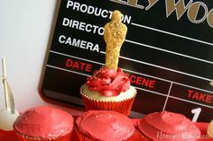 The glitz and glam comes out every year when the Academy Awards come to Hollywood. On Sunday, February 26th, Hollywood rolls out the red carpet and celebrates the year in movies. You can join in the fun with these Red Carpet Cupcakes. They are easy to make and can be adapted well for a crowd.