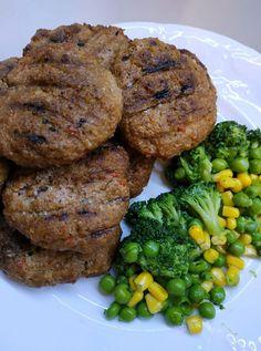 """Η Συνταγή είναι από κ. Βικη Αναματερου – """"Γλυκά κουταλιού και φαγητά ....πιρουνιού!!"""". ΥΛΙΚΑ 600 γρ κιμάς μοσχαρίσιος 1κρεμμύδι 1 ντομάτα 5 κ σούπας βρώμη αλεσμένη στο μουλτι Λάδι αλάτι πιπέρι δυόσμο ξερό λίγη ρίγανη αν τα κάνετε κεφτεδάκια Εκτέλεση Greek Recipes, Steak, Healthy Eating, Diet, Chicken, Cooking, Desserts, Food, Eating Healthy"""