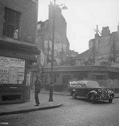 Cable Street 1949 - Google Search Irish Catholic, London History, Old London, London Street, Old Photos, Nostalgia, Street View, Lost, Ancestry