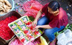 Traditionelle Opfergaben in Bali © Gudrun Krinzinger Best Of Bali, Cotton Candy, Gudrun, Kitchen Appliances, Last Minute Vacation, Bali Holiday Deals, Diy Kitchen Appliances, Home Appliances, Kitchen Gadgets