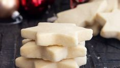 Lemon Shortbread Cookies + 5 More Must Bake Shortbread Recipes - An Italian in my Kitchen 3 Ingredient Shortbread Cookie Recipe, Chocolate Shortbread Cookies, Shortbread Biscuits, Shortbread Recipes, Butter Cookies Recipe, Lemon Cookies, Chip Cookies, Sugar Cookies, Holiday Cookie Recipes