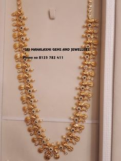 They can get the perfect finish in light wight also. Ram parivar haaram in 85 gms. Stunning long haaram with Ram parivar kasu hangings. Visit for orders. Contact no 8125 782 411 21 February 2018 Real Gold Jewelry, Gold Jewelry Simple, Silver Jewellery Indian, Indian Wedding Jewelry, Ethnic Jewelry, Indian Bridal, Bridal Jewelry, Gold Haram Designs, Gold Earrings Designs