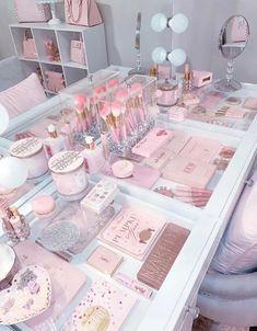 30 Beautiful Glam Room Ideas - The Wonder Cottage Bedroom Decor For Teen Girls, Girl Bedroom Designs, Room Ideas Bedroom, Small Girls Bedrooms, Teen Room Designs, Pink Bedrooms, Beauty Room Decor, Makeup Room Decor, Makeup Rooms
