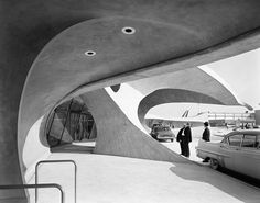 The TWA Flight Center, New York. Designed by Eero Saarinen and completed in 1962. Photo: Ezra Stoller