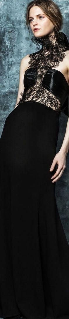Fall 2016 Ready-to-Wear Angel Sanchez Fashion Week 2016, Runway Fashion, Fashion Show, Fashion Design, Women's Fashion, High Fashion Outfits, High End Fashion, Gothic Gowns, Angel Sanchez
