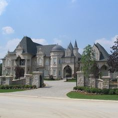 dream mansion Not sure who designed this home but it is beautiful! Dream Home Design, My Dream Home, Real Estate Quotes, Dream Mansion, Luxury Homes Dream Houses, Dream Homes, Luxury House Plans, Mansions Homes, Big Mansions