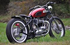 Tagged Photos Triumph old school. Bobber Bikes, Bobber Motorcycle, Moto Bike, Motorcycle Clubs, Triumph Motorcycles, Triumph Bobber Custom, Triumph Motorbikes, Motorcycle Types, Custom Choppers