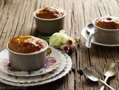 A little sweet, a little sticky and a lot to love. You can't go wrong with this comfortingly delicious honey and milk pudding. Love Chocolate, Delicious Chocolate, Malva Pudding, Chocolate Marshmallows, Pudding Recipes, Honey, Milk, Traditional, Baking