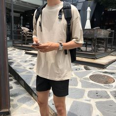 Stylish Mens Outfits, Casual Outfits, Fashion Outfits, Summer Outfits Men, Streetwear Mode, Streetwear Fashion, Korean Fashion Men, Mens Fashion, Vintage Fashion Men